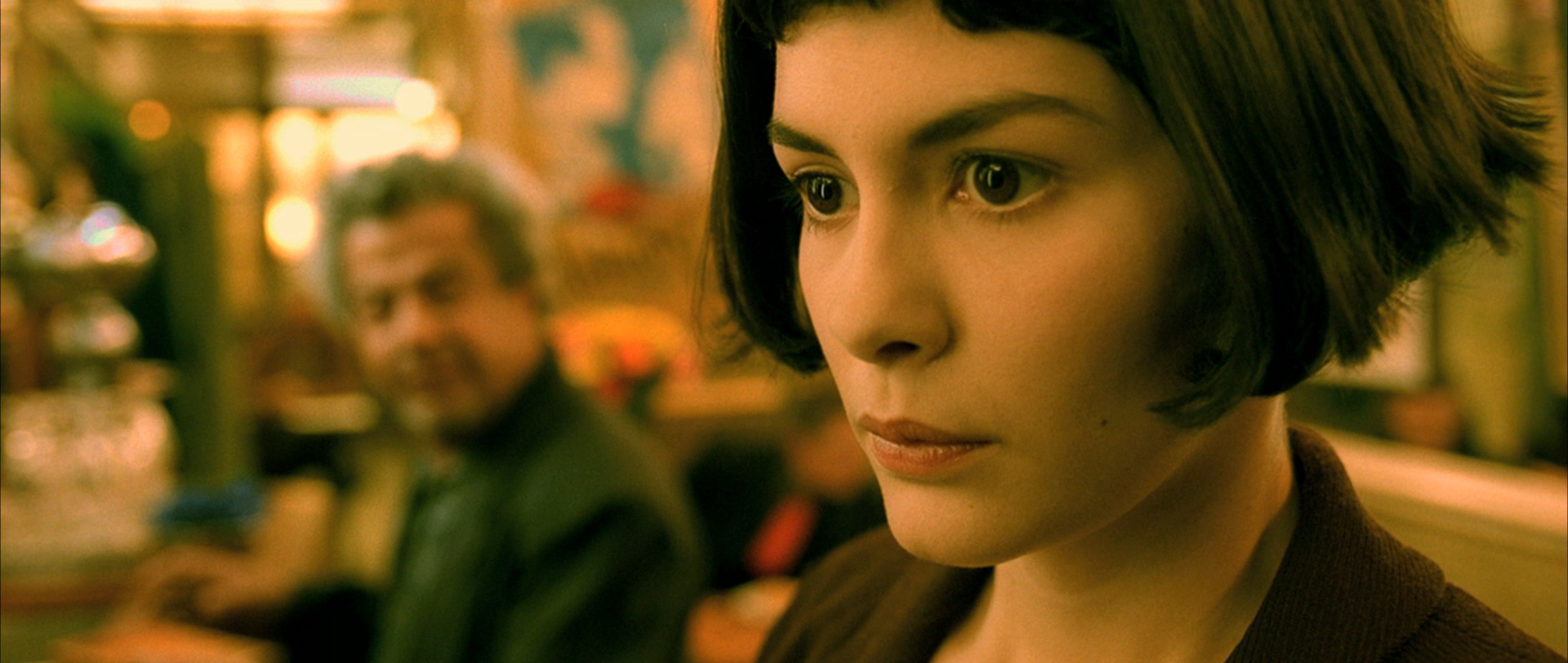 amelie interesting premise and beautiful cinematography Cinematography by bruno delbonnel cbs news bruno delbonnel's evocative cinematography depicting the magical-realist story, using heightened and selective coloring, different camera speeds and humorous digital effects, made montmartre and environs come alive onscreen as never before.