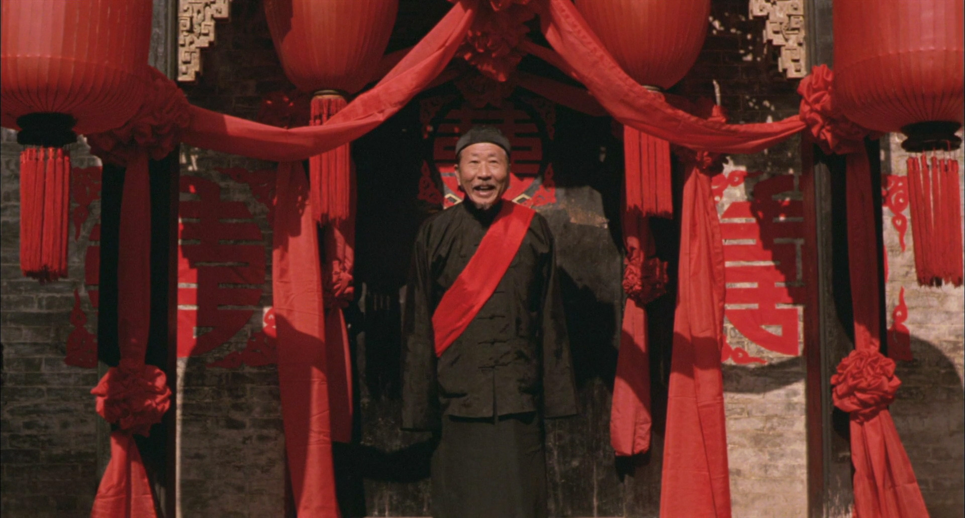 the lifestyles in china in the movie raise the red lantern But in raise the red lantern, it is the system of concubinage that he focuses on the rich man is nowhere to be seen, except in hints and shadows he is a patriarchal offstage presence, as his four wives and the household staff scheme among themselves for his favor.