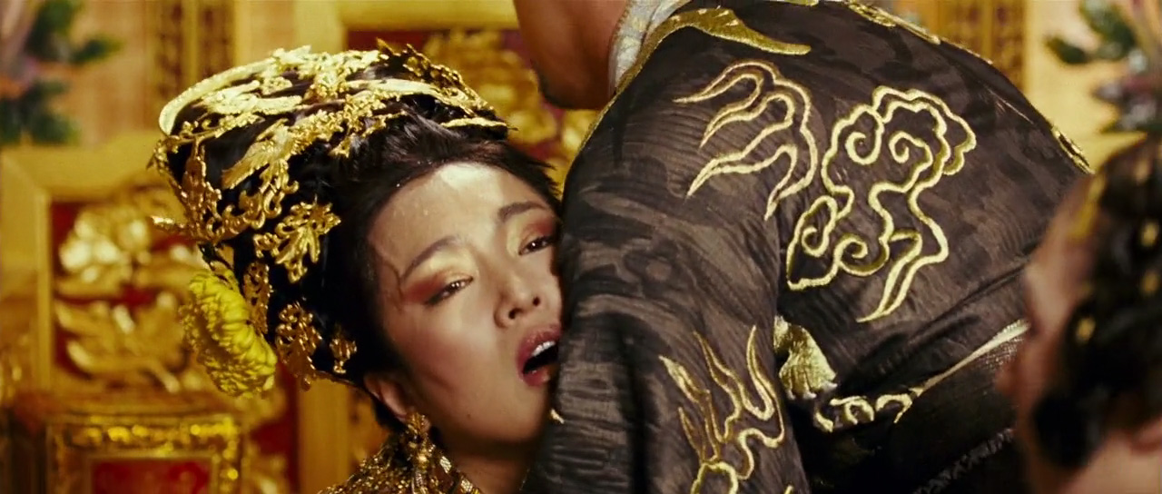 The curse of the golden flower screencaps gallery gong li and yun the curse of the golden flower mightylinksfo
