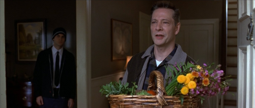 an analysis of american beauty a film by sam mendes The reputation of american beauty, the cinematic debut of the young british stage director sam mendes, has compounded at an extraordinary, exponential rate since its us release initially regarded.